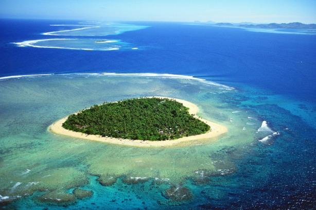 Tavarua-Island-Fiji.jpg